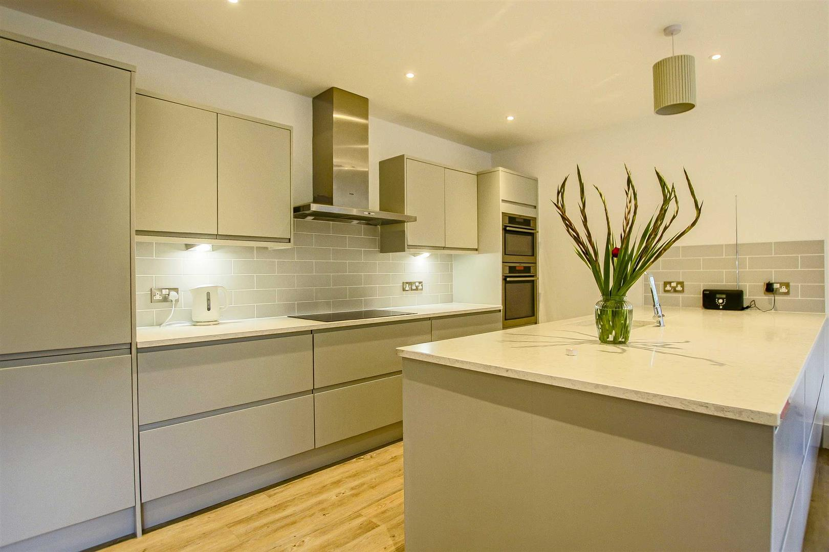 7 Bedroom Detached House For Sale - Image 21